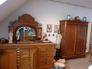 Een deel van de Collectie van de Zusters van Liefde - zoals aangetroffen in het klooster